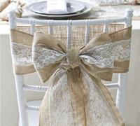 Envío gratis 15 * 240 cm Naturally Elegant Burlap Lace Chair Sashes Jute Chair Tie Bow para la boda rústica decoración del evento SN586