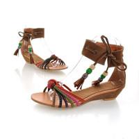 2018 Nouvelles sandales à bout ouvert sandales à talons élégants rétro national vent sort couleur pente avec des chaussures de femmes perlées taille code