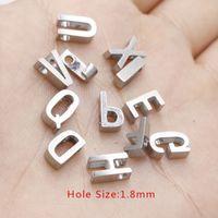 Espejo de acero inoxidable pulido grano agujero tamaño 1.8 letras del alfabeto inglés A-Z granos del encanto de la joyería encontrar 20 pieza / lote