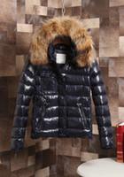 Kaufen Sie im Großhandel Frau Rote Jacke Kapuze online aus