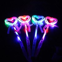 Carino amore a forma di cuore LED Light-Up Glow Sticks Sticks lampeggiante Concerto Tifo puntelli Birthday Party Favors