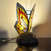 Simulación arte de la mariposa Iluminación Tiffany Europea manchado jardín de cristal de la lámpara de mesa lámpara de mesa de noche decorativo salón Bar