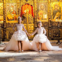 Abiti da principessa Pageant di promenade di lusso maniche 2018 Scoop Neck High Low Tiered Tulle Flower Girls Dresses for Weddings