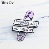 Miss Zoe PAAR PAPIER CLIP CLIP Emaille Pins Little Heart Broche Regalo Icoon Badge Denim Jeans Revers Pin Kleding Cap Bag Regalo creativo Meisje