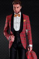 Alta calidad novio esmoquin un botón chal solapa padrinos de boda mejor traje de hombre trajes de boda para hombres (chaqueta + pantalones + chaleco + corbata) J211