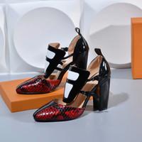 جودة عالية نمط جديد امرأة كعب مكتنزة واحدة أحذية السيدات الصيف ثعبان بسيط مثير عالية الكعب أشار تو السيدات اللباس أحذية جميلة