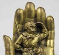 Estatua de bronce del mono de la palma hermosa de China