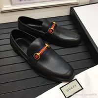 d06b23ad2aed 2018 Italienische Herrenschuhe Luxusmarke Oxford Echtem Leder Schuhe Männer  Kausalen Wohnungen für Kleid Hochzeit Büro Schuhe