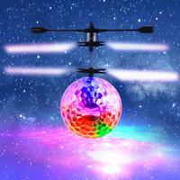RC Juguete, RC Flying Ball Drone, RC infrarrojo helicóptero de inducción Ball Drone, Iluminación LED incorporada Hoover para niños, Adolescentes Colorido Flying
