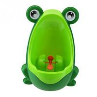 Babyjongen kikker kinderen baby peuter potje kopjes wandgemonteerde urinoirs toilet training kinderen staan verticale urinoir jongens plassen