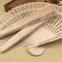 Livraison gratuite en gros personnalisé bois faveurs de mariage Fan Party cadeaux cadeaux bois de santal pliant ventilateurs à la main ABANICO décorations