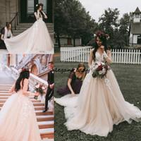 2019 블러쉬 핑크 웨딩 드레스 긴 소매 깎아 지른 보석 목 환상 빈티지 레이스 나라 겸손한 샴페인 웨딩 가운