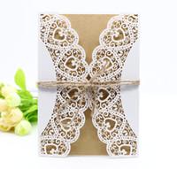 5 en 1 blanco hueco Rústico corte láser invitaciones de boda Boda de compromiso gracias tarjeta de felicitación con sellos de etiqueta de sobre de cinta de arpillera