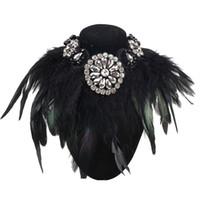 Tutta la vendita Gioielli di fascino di design di lusso Esagera Collana di collane di piuma nera Collana di pendenti di cristallo Collane di girocolli di moda