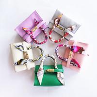 새로운 아이 핸드백 PU 가죽 스카프 사탕 컬러 아기 가방 디자이너 어린이 메신저 가방 패션 베이비 제품 유아 지갑
