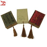 Scatole di imballaggio dell'esposizione del pendente di lino di lusso nappa Lattice rettangolare Calligrafia di loto Orecchini pendente contenitore di immagazzinaggio del regalo 7.5 * 10 * 3.5 cm