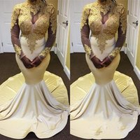 Einzigartige Gold And White Mermaid Prom Kleider Lange 2018 High Neck Langarm Spitze Applique Abendkleider Abendkleider