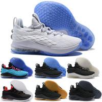 Nouveau 2018 LeBron XV 15 Bas Noir Blanc Rouge Oreo Chaussures de Basket-ball  pour 095688489