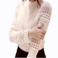 المرأة ذات جودة عالية الخريف قمصان بيضاء طويلة الأكمام البلوزات ضئيلة قمم الأساسية بالإضافة إلى حجم قميص الدانتيل جوفاء الإناث