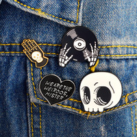 Spilla cranio punk gotico Spilla smaltato duro spilla cranio Distintivo pulsante cranio halloween Gioielli per lui Regali fantastici