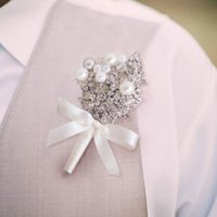 High- end custom bride and groom boutonniere European pearl c...