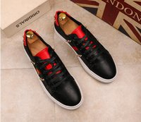 2018 New Fashion Embroidery Bee piccole scarpe bianche G Men donna mocassini Sneakers Low Cut Lace-up G unisex piccola ape scarpe basse casuali J62