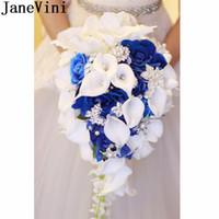 JaneVini Kraliyet Mavi Şelale Yapay Gelin Buketi Kristal Gelin Çiçekler Ile Güller Calla Zambak Gelin Broş Buket De Evlilik 2018