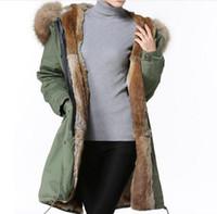 뜨거운 판매 meifeng 브랜드 갈색 너구리 모피 hoody 여자 따뜻한 코트와 카키색 토끼 모피 안감 군대 녹색 긴 파카
