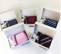 8 cm Mens Ties New Man Fashion Dot Corbatas Corbatas Gravata Jacquard Tie, Pañuelo, Gemelos, Clip Set Tie para hombres Caja de regalo
