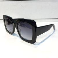2018 gafas de sol populares de lujo para mujeres diseñador de la marca 0083S estilo cuadrado de verano marco completo de calidad superior protección UV color mezclado vienen con caja