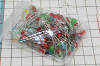 100Pcs / lot 5MM LED Kit diodi a colori misti Ultra Bright Rosso Verde Giallo Blu Bianco