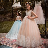 Bellissime Blush e Avorio Flower Girls Dresses Beaded Sash Lace Appliqued Bows Pageant Gowns for Kids Wedding Party 2109
