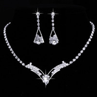 New Fashion Women Sparkling V Shaped Rhinestone Crystal Neck...