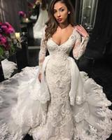 2018 robe de mariée à manches longues à manches longues de la dentelle de col V profond applique et taille de mariée robe de mariée avec une jupe détachable balayer robe de pays