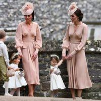 Vendita calda Chiffon madre della sposa abito maniche lunghe tè lunghezza Vintage paese scollo a V rosa polveroso abiti da sera formale abbigliamento per gli ospiti