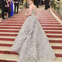 Wysokiej jakości nowe gwiazdy europejskie i amerykańskie z tą samą piłką Prom Dresses Oscar Awards Grey Tulle Suknie Wieczorowe DH037