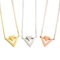 Мода треугольник ожерелья треугольник вставить геометрические кулон ожерелья личность суперпозиции треугольник покрытием ожерелья для женщин