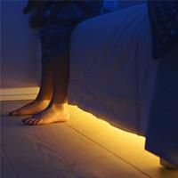 무선 모션 센서 LED 스트립 배터리 전원 야간 조명 침대 램프 아래 옷장, 옷장, 내각, 계단, 복도
