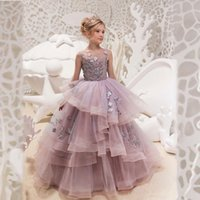 Principessa Jewel Neck Neck senza maniche A Line Ruffles Girls Pageant Dresses Lace Appliqued Flower Girls Abiti Kids Formal Wear For Birthday Party