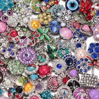 2017 0 50pcs / lot all'ingrosso Stili stupefacenti Rhinestone / opale / bottoni in metallo pietra naturale 18mm con bottone a pressione gioielli per gioielli a scatto