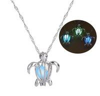 Cadena plateada Cadena Luna Collares de tortugas Colgantes que brillan intensamente en Dark Declaración Collar Mujer Collar Choker Luminoso Collar de tortugas