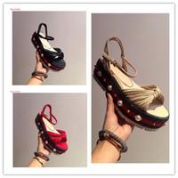 Högsta kvalitet lyx mode kvinnor ladys plattform sandaler pärlor och nitar stickade pitch wedge sandaler höjd ökar homecoming skor