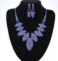 New Naher Osten 3 Farben Kristalle Hochzeit Braut Schmuck Accessaries Set (Ohrring + Halskette) Kristallblätter Design mit Faux-Perlen