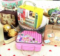 En gros Vintage Valise Forme Boîte De Rangement De Bonbons De Faveur De Mariage Boîte D'étain Divers Organisateur Conteneur Petite Décoration