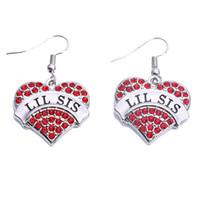 Neue angekommene weibliche Herz-Ohrringe LIL SIS geschriebene Art- und Weisekristalle passendes Geschenk für Schwester-Zink-Legierung stellen Dropshipping bereit