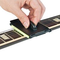 1 stks elektrische gitaar bas snaren scrubber fingerboard wrijven reiniging tool onderhoudsverzorging bas reiniger gitaar accessoires NY047