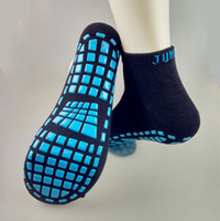 Mode Sport Trampolin Socken Die rutschfesten Außensocken aus Silikon Atmungsaktive absorbierende Yoga Pilates Socken springen Frauen Silikagelsocke