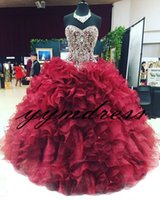 2019 Bourgogne Quinceanera Robes Corset Perlé De Cristal De Ruffles Robes De Bal Robes De Mascarade Robes De 15 Anos Sweet 16 Robe De Bal