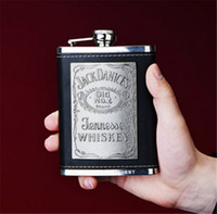 Botella de agua para beber al aire libre para hombres de acero inoxidable 8OZ Hip Flask Classic Whisky Flagon Box set