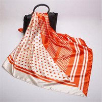 Оптовая топ Qualtiy размер 90x90 см 100% Саржа шелковый шарф евро Марка французский дизайнер пакет шаблон печатных женщин подарок шелковые шарфы точка A03